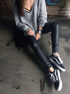 vans old skool, old skool, vans old skool outfit, leather leggings, rainy day outfit, casual outfit, cool outfit