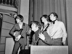 Le memorabilia del musicista si riferiscono all'epoca in cui frequentava la Quarry Bank High School di Liverpool, negli anni 1955-56
