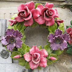 Ceramic wreath 5 Polymer Clay Flowers, Ceramic Flowers, Polymer Clay Art, Clay Crafts, Diy Clay, Ceramic Pinch Pots, Clay Wall Art, Cemetery Flowers, Queer Art