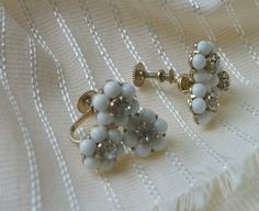 Vintage White Flower Earrings with RhinestonesCoro by picsoflive, $12.00 Flower Earrings, White Flowers, Pearl Necklace, Vintage Jewelry, Pearls, String Of Pearls, Pearl Necklaces, Vintage Jewellery