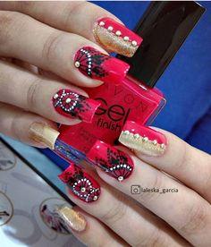 Um dos estilos que vem chamando a atenção é as unhas decoradas filtro dos sonhos. Parece chamativo, mas a verdade é que fica lindo. Fotos e tutoriais aqui! Manicure And Pedicure, Pedicures, Dream Nails, Nail Arts, Toe Nails, Nails Inspiration, Pretty Little, Pretty Nails, Nail Art Designs