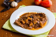 Bisteces en salsa de chile pasilla. Receta   cocinamuyfacil.com
