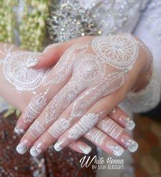 Cute Henna Designs, Mehandi Designs, Tattoo Designs, Wedding Dreams, Dream Wedding, Kebaya Muslim, White Henna, Bridal Henna, Henna Patterns