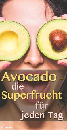Lange Zeit galt die Avocado als Dickmacher, ist es doch die fettreichste Frucht. Mittlerweile weiß man, dass die Beere mit dem Riesenkern ein echtes Superfood ist. FITBOOK erklärt, warum Sie am besten gleich jeden Tag zur Avocado greifen sollten.