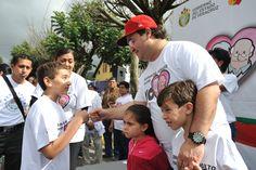 El gobernador Javier Duarte de Ochoa estuvo acompañado de sus hijos Carolina y Javier durante la VI Caminata de Adultos Mayores