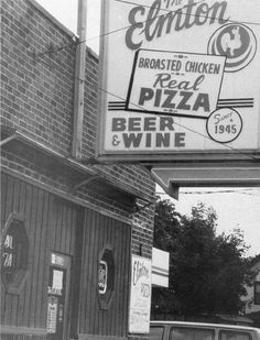 Favorite restaurant in my hometown of Struthers, Ohio. The pizza here is unlike any other. Mill Creek Park, Youngstown State, Pizza And Beer, Great Memories, Childhood Memories, Over The River, Great Restaurants, Old Pictures, Historical Photos