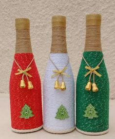If Christmas is coming and you like DIY crafts, you must try these DIY Christmas crafts decoration bottles ideas. These DIY crafts bottles are very easy, you just need to look closely before you can make them yourself. Wine Bottle Art, Diy Bottle, Wine Bottle Crafts, Wine Cork Crafts, Jar Crafts, Decor Crafts, Christmas Wine Bottles, Bottle Painting, Vases