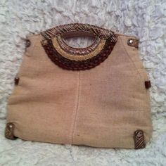 *Reduced*Nature inspired cute handbag! Different shades of brown make this purse  match any outfit. Wear as a small purse or fold over for a clutch!!! spring Bags