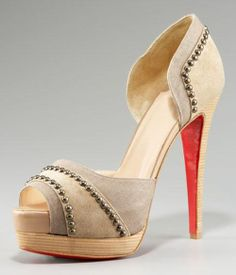 louboutin :Henry Studded d'Orsay Pump