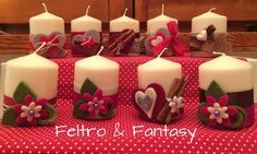 Candele decorate con il feltro, la cannella e i gessetti Christmas Candles, Christmas Love, Diy Christmas Gifts, Christmas Projects, Holiday Crafts, Christmas Decorations, Xmas, Candle Centerpieces, Diy Candles