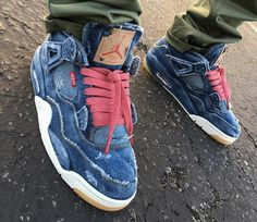 Levis x Air Jordan 4 Retro Distressed Denim (jeans déchiré) Jordan 4, Jordan Tenis, Custom Jordans, Custom Sneakers, Custom Shoes, Air Jordan Sneakers, Jordan Shoes, Sneakers Nike, Levis Denim