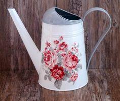 konvička růže Lavender Cottage, Watering Cans, Milk Cans, Kettles, Metal Tins, Bottle Crafts, Handicraft, Metallica, Decoupage
