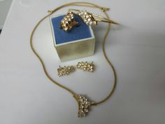 Avon Cocktail Bracelet Ring Necklace and Pierced earrings 1989 Party Perfect