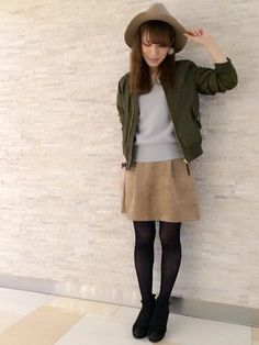 MA-1ジャケット×スエード調スカート