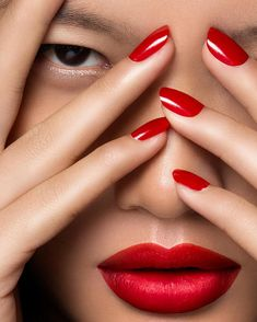 Vibrant Beauty Photography by Lorraine Young #inspiration #photography