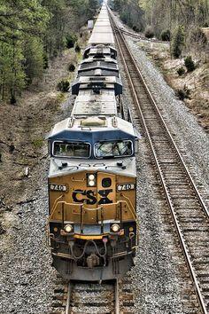 Leading A Long Line, train, railway tracks, on rails, beauty Train Tracks, Train Rides, Train Pictures, Cool Pictures, Csx Transportation, Tramway, Bonde, Destinations, Railroad Photography
