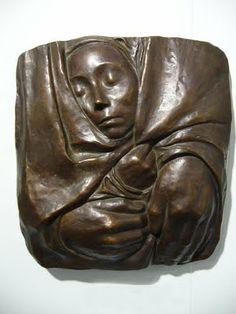 """Kathe Kollwitz - Ruht im Frieden seiner Hände  """"Gottes ist der Orient/Gottes ist der Okzident!/ Nord- und südliches Gelände/ Ruht im Frieden seiner Hände"""".  (Goethe)"""