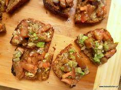 """""""what is better than butter?""""  :)  http://kateskitchen.pl/pomysl-na-kolacjesniadanko-maslane-tosty-z-salsa-z-pomidorow-i-awokado/"""