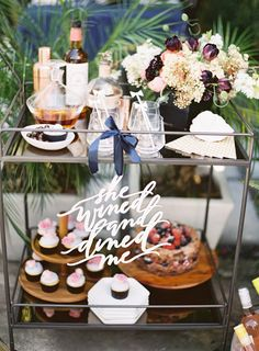 100 Layer Cake shows us how to throw a backyard co-ed bridal shower, with decor and drink tips to help include the groom in the pre-wedding festivities.