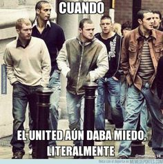 Paul Scholes, Rio Fedinand, Wayne Rooney, Alan Smith and John O'Shea arrive at the Manches. Manchester United Legends, Manchester United Players, Football Memes, World Football, David Beckham Football, Vintage Football, Sports Pictures, Man United, Soccer Players