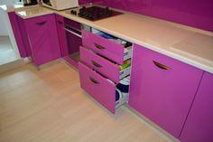 detaliu sertare Dresser, Furniture, Home Decor, Lilac, Powder Room, Dresser Top, Home Furnishings, Chest Of Drawers, Interior Design