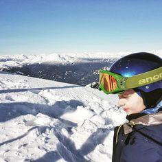#snow  #sun  #winterfun Ps. We miss you @whistlerblackcomb... .  Komu mało śniegu? W Vancouver dzisiaj rano było jakieś 2 cm ale w przeciągu godziny stopniał do cna! Za to w górach nie brakuje wcale ale to wcale! Kto ma ferie a kto jeszcze czeka (jak my)? Serdeczności! . . . . . . . . #winter #zima  #śnieg #sky #mountains #kanadasienada  #thebestday #vancouverblogger #vancouverbc #sunnyday #explorebc #beautifulbc #explorecanada #skiing #snowwhite #supernatural #zwiedzamy #podróże #podróżuj…