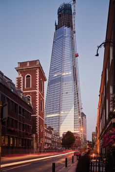 SHARD LONDON BRIDGE  THE TALLEST BUILDING IN THE EUROPEAN UNION  London / UNITED KINGDOM / 2003   Renzo Piano #architecture