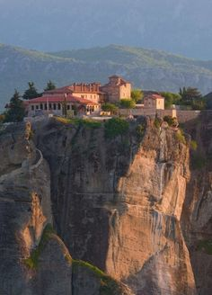Meteora private tours, Greece Private Tours and excursions in Meteora, Chauffeured driven car services http://www.greece-privatetours.com/meteora-private-tours