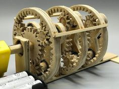 How to make a planetary gearbox with your own hands Diy Wooden Projects, Wood Turning Projects, Wooden Diy, Wood Crafts, Diy And Crafts, Craft Projects, Arts And Crafts, Wooden Gears, Wooden Clock