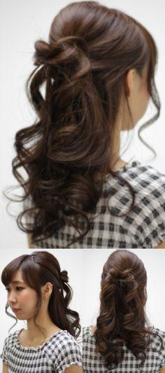 巻き髪ハーフアップ 髪でリボンをデザインハーフアップ。