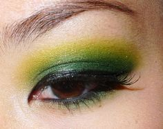 Inglot shadows 330 - matte forest green and 59 - sparkly chartreuse