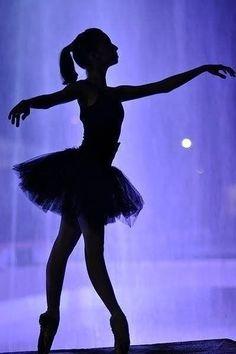 Dançarina azul.