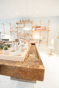 Blender & Blender: Love this pastel concept shop in Amersfoort, Netherlands. thanks to Art and chic Retail Interior, Diy Interior, Interior Exterior, Visual Merchandising, Interior Inspiration, Design Inspiration, Design Ideas, Concept Shop, Retail Space