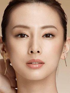 DJmGpOmU8AEkGiu Beautiful Person, Beautiful Lips, Beautiful Women, Keiko Kitagawa, Artists And Models, Asian Eyes, Beauty Shots, Female Portrait, Famous Faces