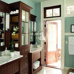 Huge double sink vanity with makeup table bath ideas for Bathroom configurations