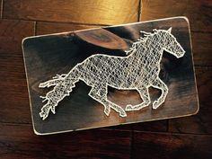 Running Horse String Art Medium от StringsAttachedKY на Etsy