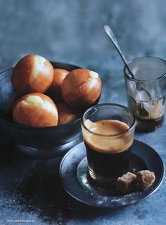 Danna Hay's little #custard #doughnuts with #coffee [recipe in English].