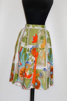 Fusta print floral si vaze anii '50 Noutati pe vintage Wardrobe http://www.vintagewardrobe.ro/cumpara/fusta-print-floral-si-vaze-anii-50-7496829 #vintage #vintagewardrobe #vintageautentic #vintageskirts #1950s