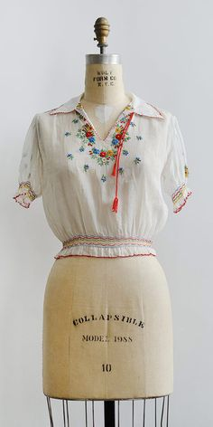 vintage 1930s Hungarian embroidered peasant top