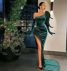 Glam Dresses, Couture Dresses, Pretty Dresses, Beautiful Dresses, Fashion Dresses, Award Show Dresses, Dinner Gowns, Dr Shoes, Cute Wedding Dress