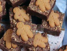 Mini Egg Millionaires Shortbread! - Jane's Patisserie Biscoff Cake, Biscoff Cheesecake, Speculoos Cookie Butter, Biscoff Biscuits, Cheesecake Ice Cream, Biscoff Recipes, Baking Recipes, Baking Tips, Chocolate Traybake