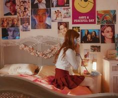 room aesthetic retro bedroom inspo rooms dorm 90s decor 50s poster decorating