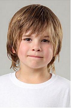 Coiffure garçon cheveux longs …