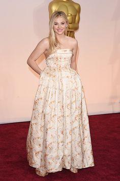 Chloe Moretz. Red Carpet de los Oscars 2015 --> http://www.seventeenenespanol.com/celebridades/gossip/822616/premios-oscar-2015-red-carpet/
