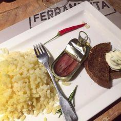 #patate strizzate con #acciughe del #cantabrico e #burro con #prezzemolo. #Dinner at #ferramenta #restaurant #santarcangelodiromagna #rimini #emiliaromagna #ig_food #kiteinnepal #travel #cibo #food #eat #foodie by scaparonesarah