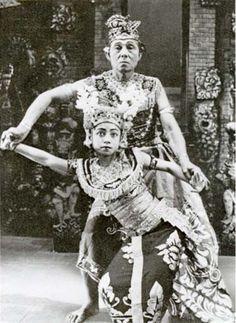 Balinese dance training