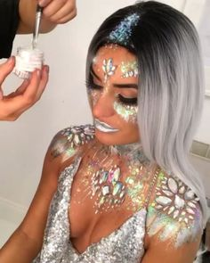👩🚀 💎 💗 🌙 SPARKLY SPACE PRINCESS👩🚀 💎 💗 🌙  This Halloween look is outta this world💫Who needs to rock it?🌟  @viickyhedley #pinkboutique #pinkboutiqueuk #ha Halloween Looks, Spirit Halloween, Pink Boutique Uk, Space Princess, Glitter Makeup, Rave Outfits, Coupon, Make Up, Rock