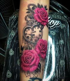 Roses and vintage watch tattoo – Rose Tattoos Mommy Tattoos, Dope Tattoos, Girly Tattoos, Hand Tattoos, Pretty Tattoos, Beautiful Tattoos, Body Art Tattoos, Tatoos, Mama Tattoo