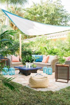 Amazing 45 Most Popular Backyard Paver Patio Design Ideas 2019 31 - DecoRecent Small Outdoor Patios, Small Patio, Outdoor Living, Outdoor Spaces, Small Yards, Outdoor Bars, Budget Patio, Diy Patio, Outdoor Patio Ideas On A Budget Diy