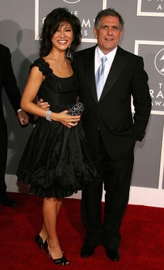 Julie Chen 2007 Grammys - bracelet and clutch